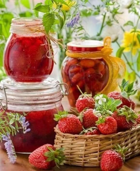 Клубничное варенье густое с целыми ягодами в мультиварке